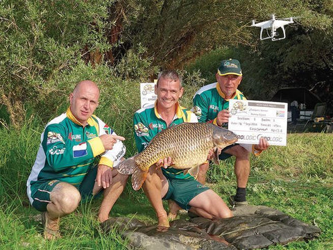 Jacques Venter (left) at the 2016 World Carp Masters championship in France Panvago Fishing Blogs
