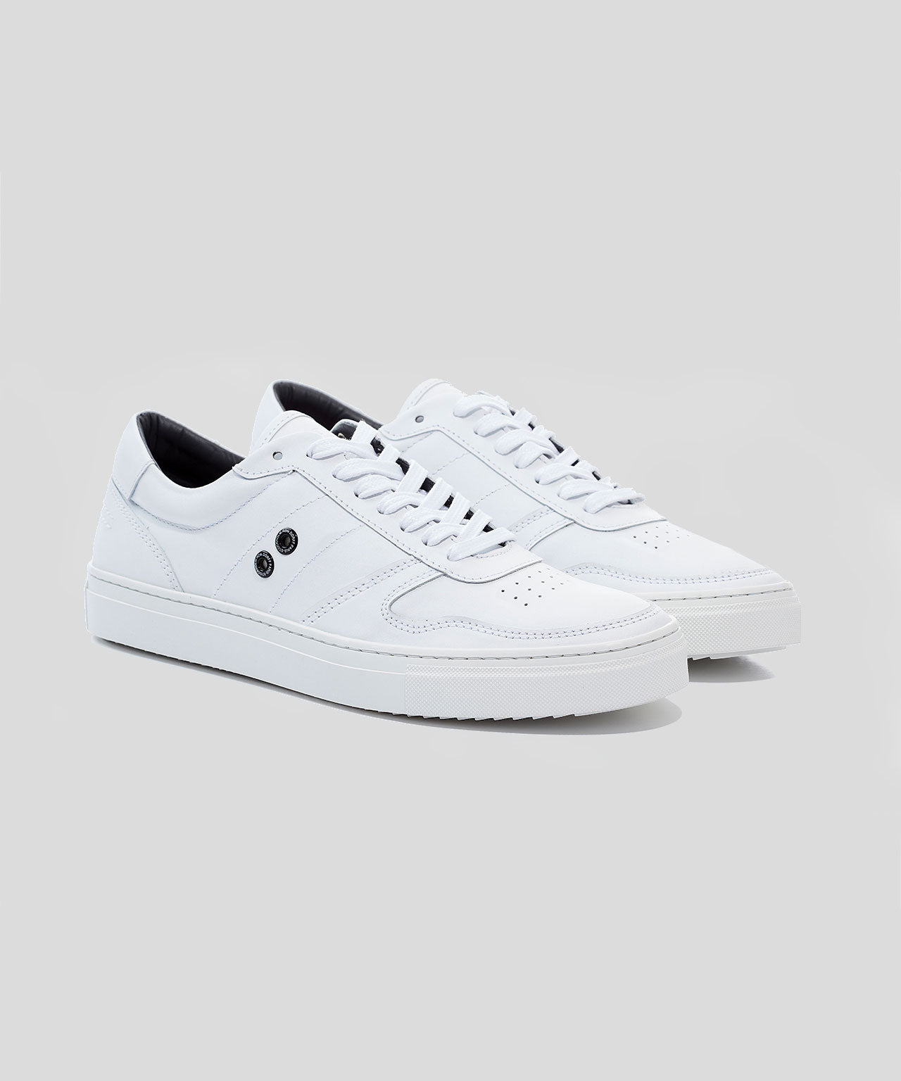 Urban Tennis Shoes - white