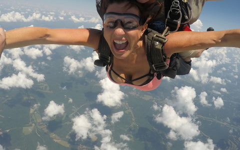 Global Girl Shannon Rizzo Skydiving