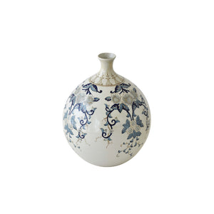 unique decor in Dubai, asian vase in porcelain