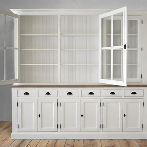 cabinet in white with oak moulding, dubai
