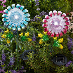 Glass Flower Garden Ornament Solar Powered Daisy Light in Blue