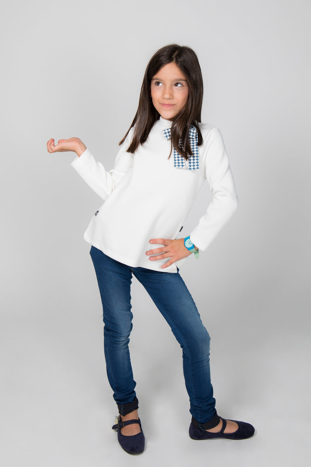 CAMISA CNA 831 Blanca con lazo / GIRL'S SHIRT CNA 831 White with tie