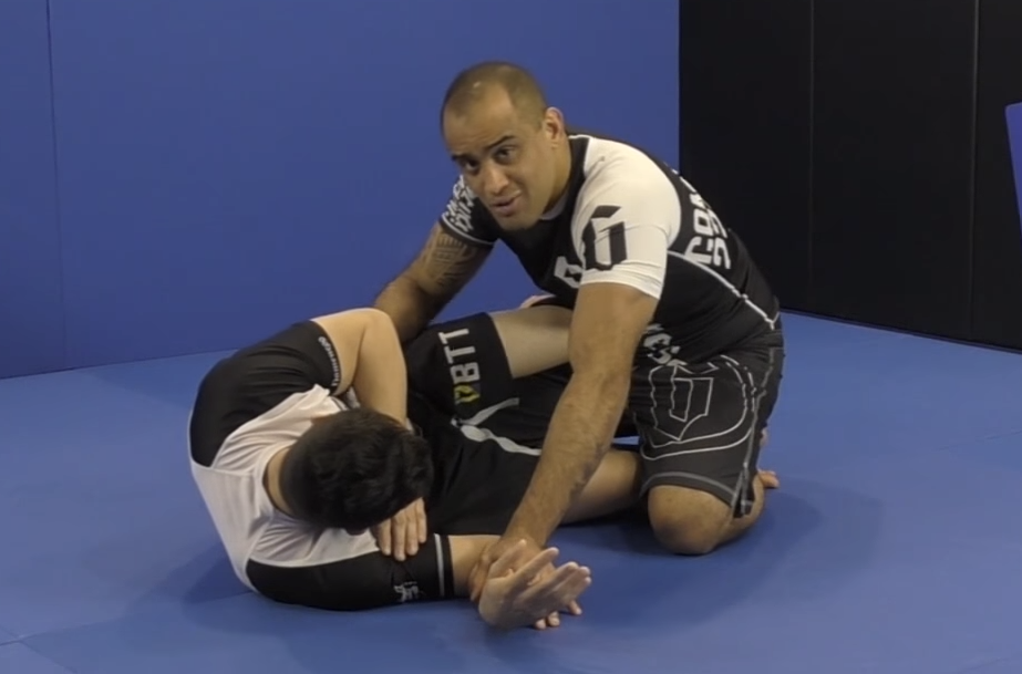 Efficient Half Guard Passing With Yuri Simoes