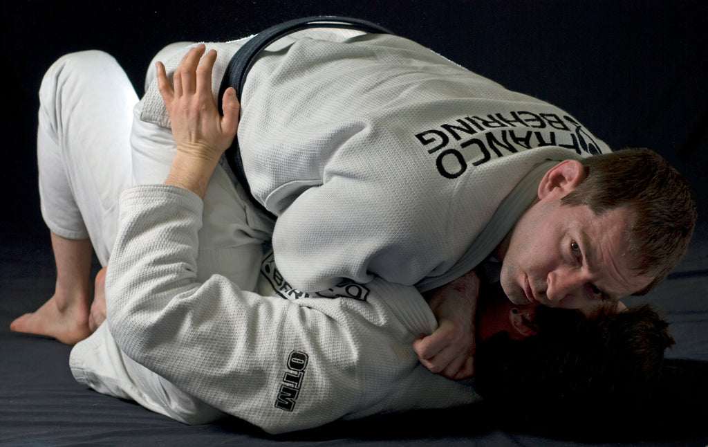 The Collar Choke: Wrist Blades