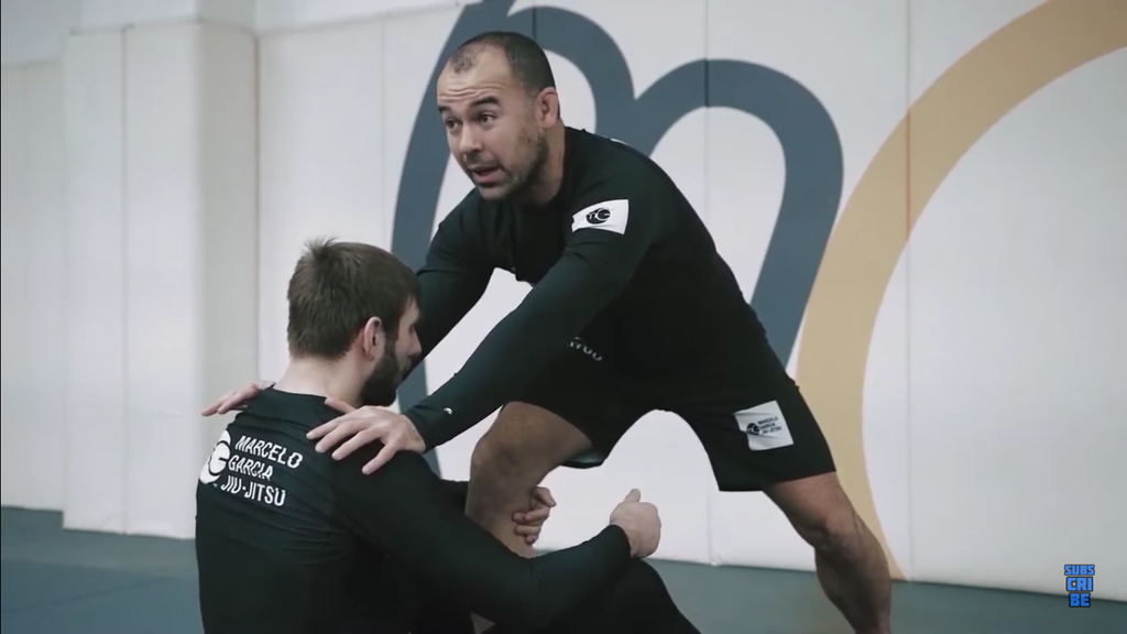 This Guillotine Set-Up with Marcelo Garcia is MONEY