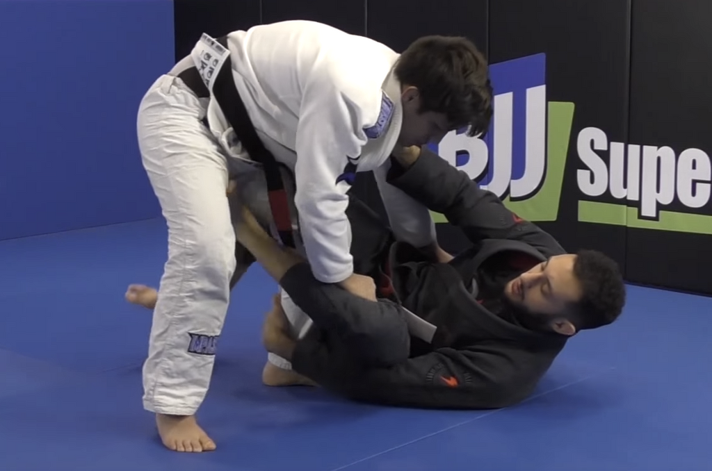 Gabriel Arges Shows An Amazing Back Take From X Guard