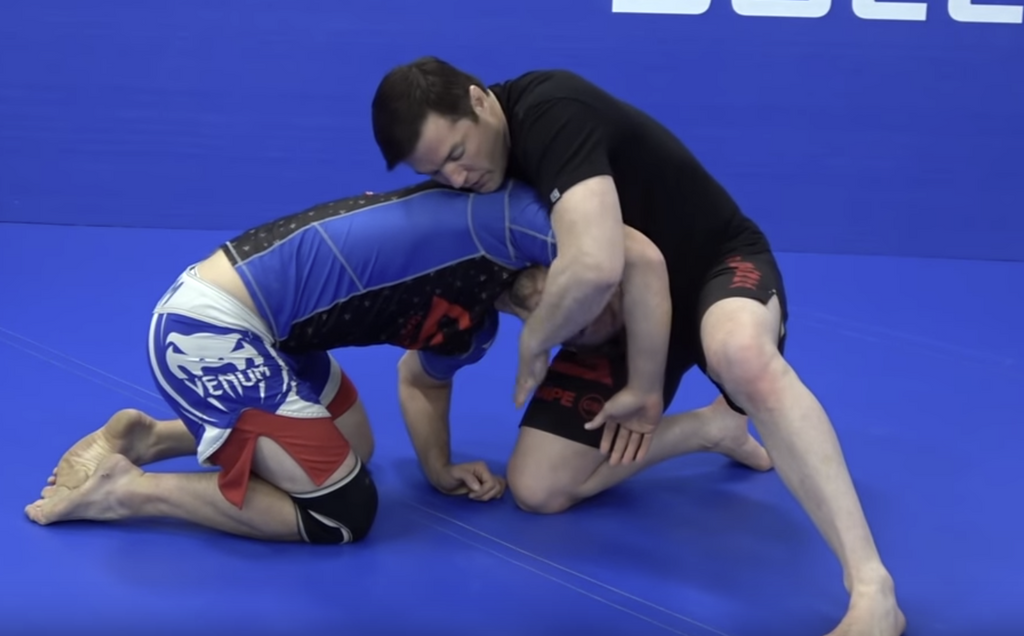 Use The Face To Finish The Anaconda Choke With Chael Sonnen