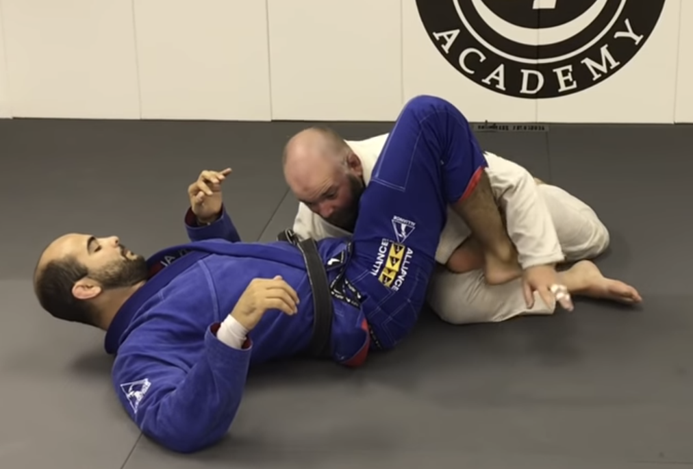 Complex Yet Highly Effective Butterfly Guard Pass with Bernardo Faria