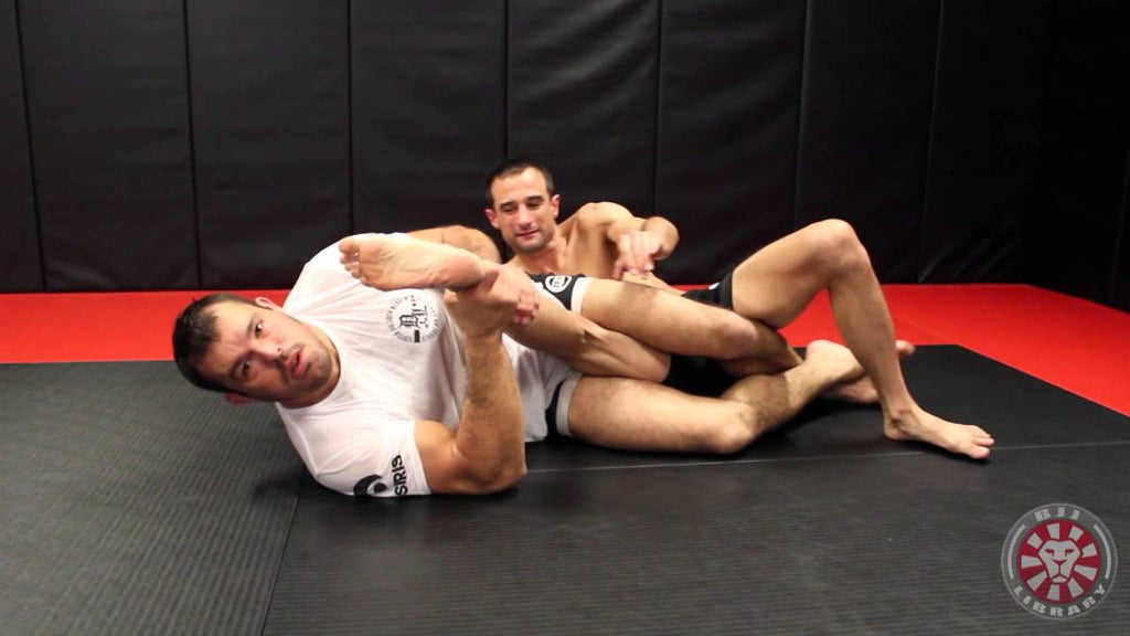 Why the Knee Lock Is An Important Leg Attack