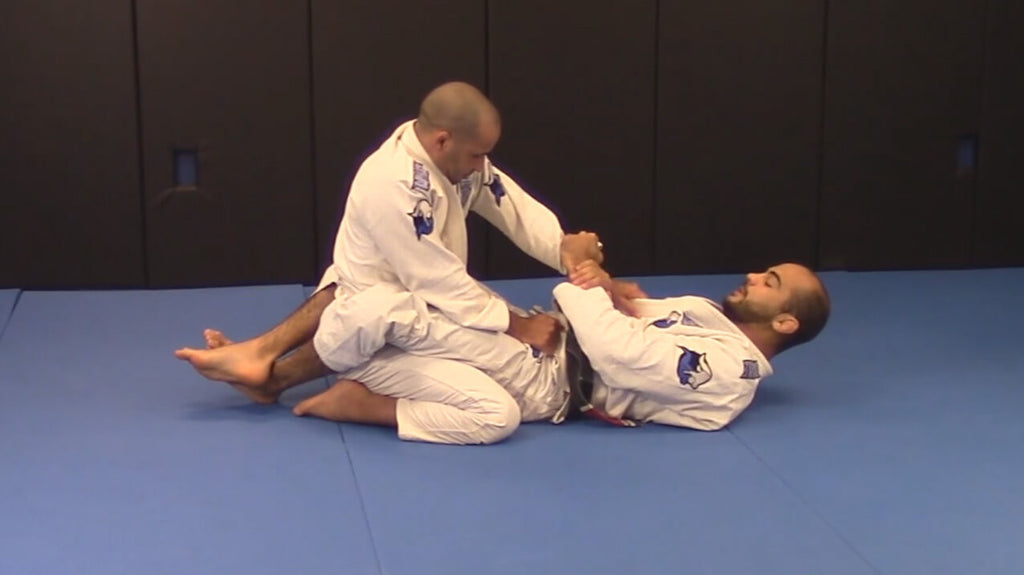 How to Become Impossible to Hold in Closed Guard