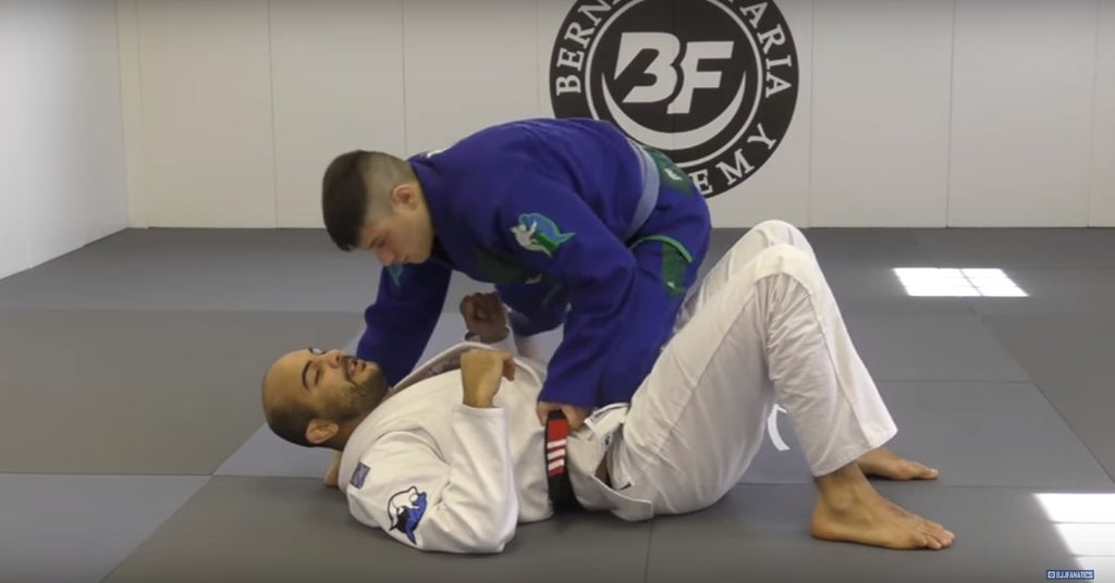 Escape Knee On Belly Like The Incomparable Bernardo Faria!