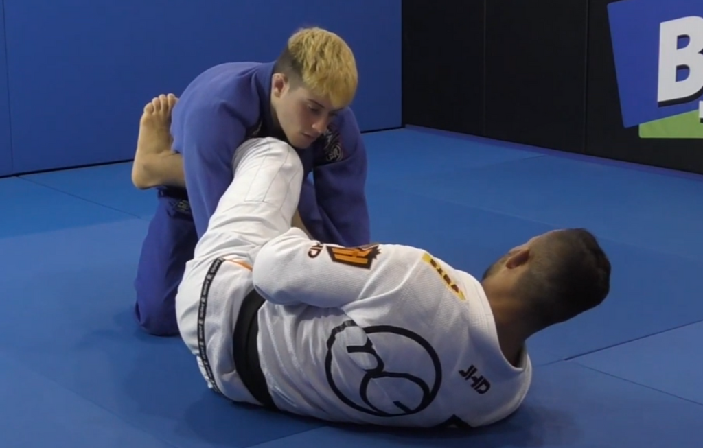 How To Get The Back In Lasso Guard Using Arm Drag With Marcos Tinoco