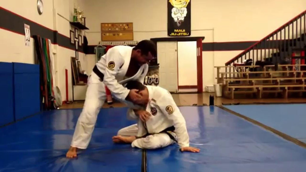 Show the Guard Players You Mean Business with This Loop Choke from Alexandre Vieira