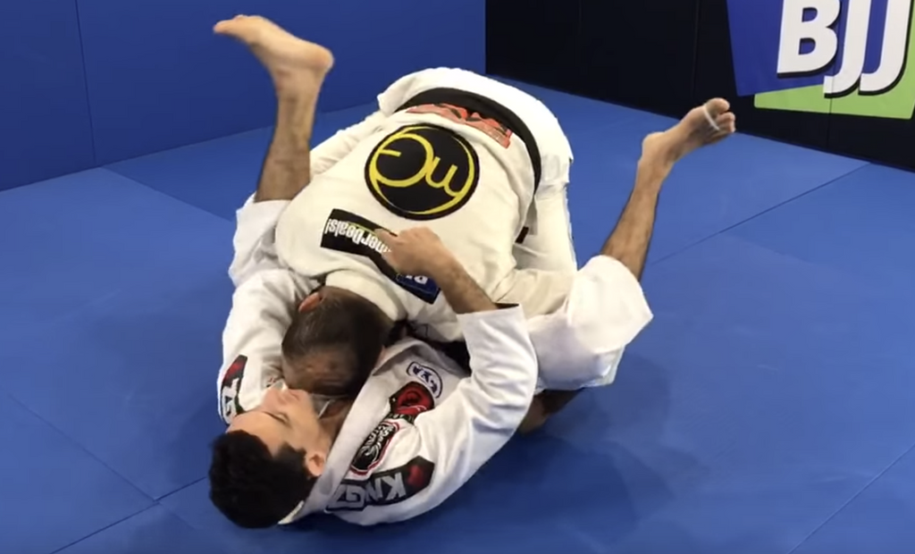 How To Finish The Double Under Pass With a Loop Choke