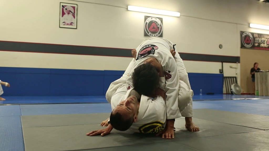 Taking The Back From The Closed Guard