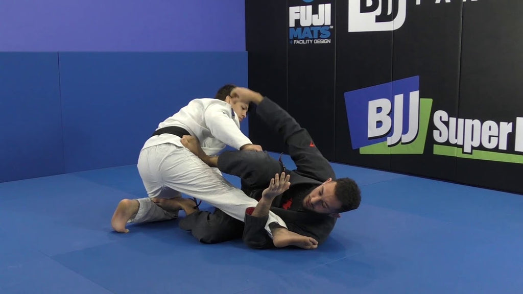 A Tricky Kneebar From The Closed Guard With Gabriel Arges