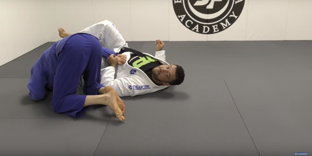 Have You Seen This Sneaky Omoplata Counter To The Weave Pass?