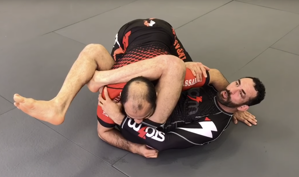 How To Make The Tightest Triangle Choke Ever - The Reverse Triangle