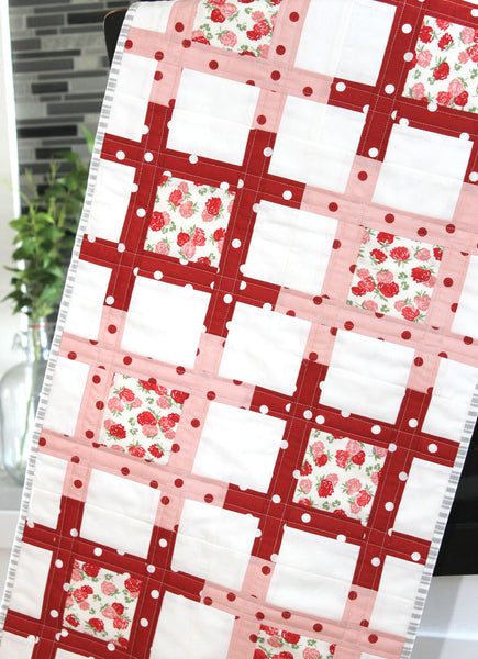 HNH212 Lattice Tablerunner Quilt Pattern ~ Paper Pattern