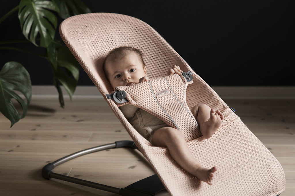BabyBjorn Bouncer Bliss Mesh - Pearly Pink - The Baby Service - Lifestyle