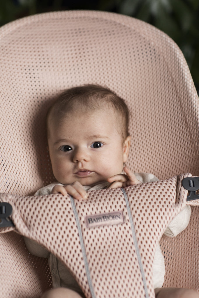BabyBjorn Bouncer Bliss Mesh - Pearly Pink - The Baby Service - Close Up