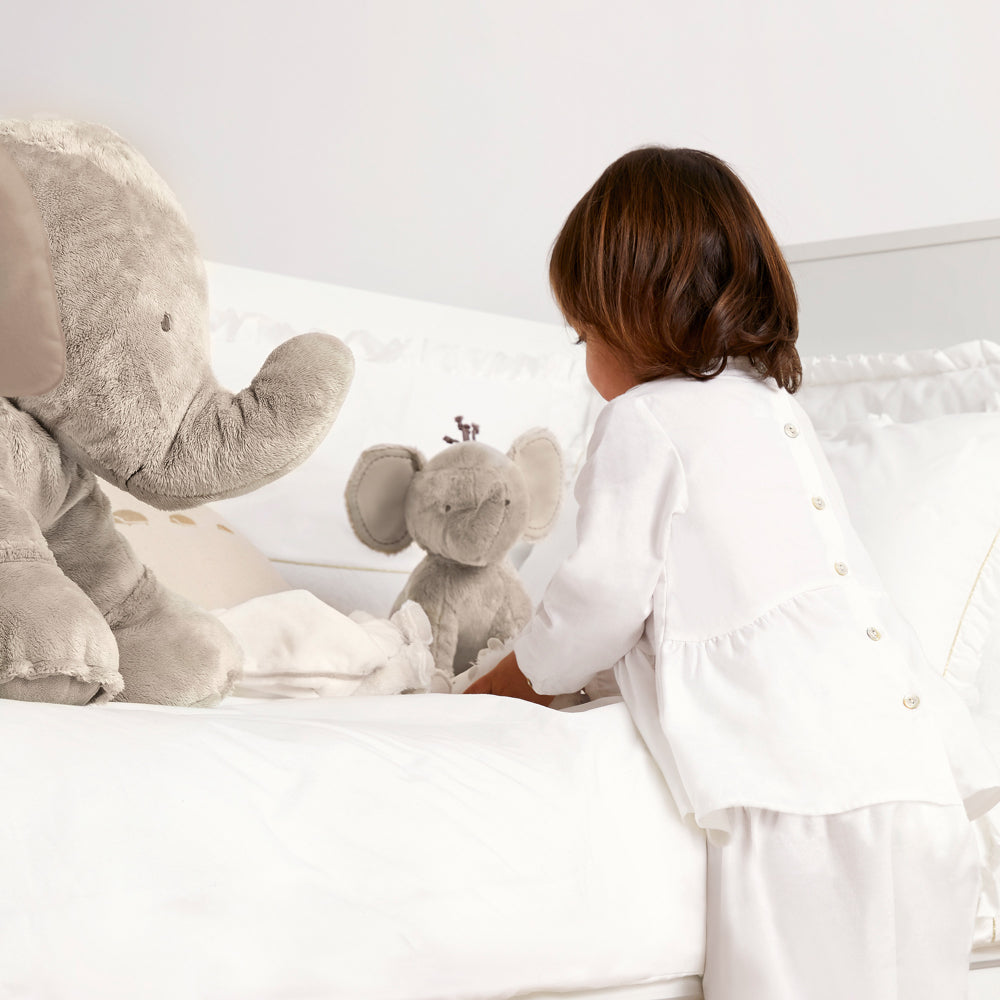 Tartine Et Chocolat - Ferdinand The Elephant Taupe 60cm - Lifestyle - The Baby Service