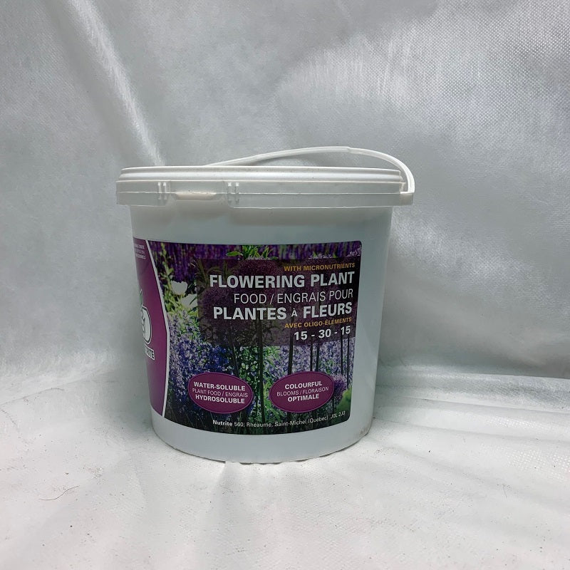Flowering plant Fertilizer 15-30-15