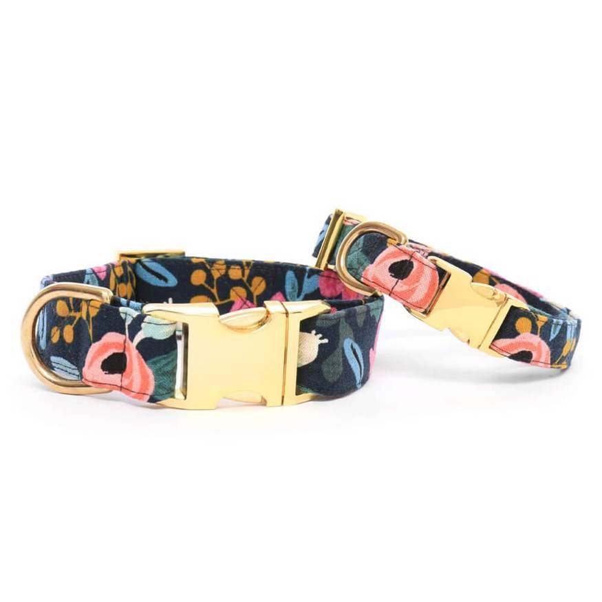 the Foggy Dog Rosa Floral Dog Collar