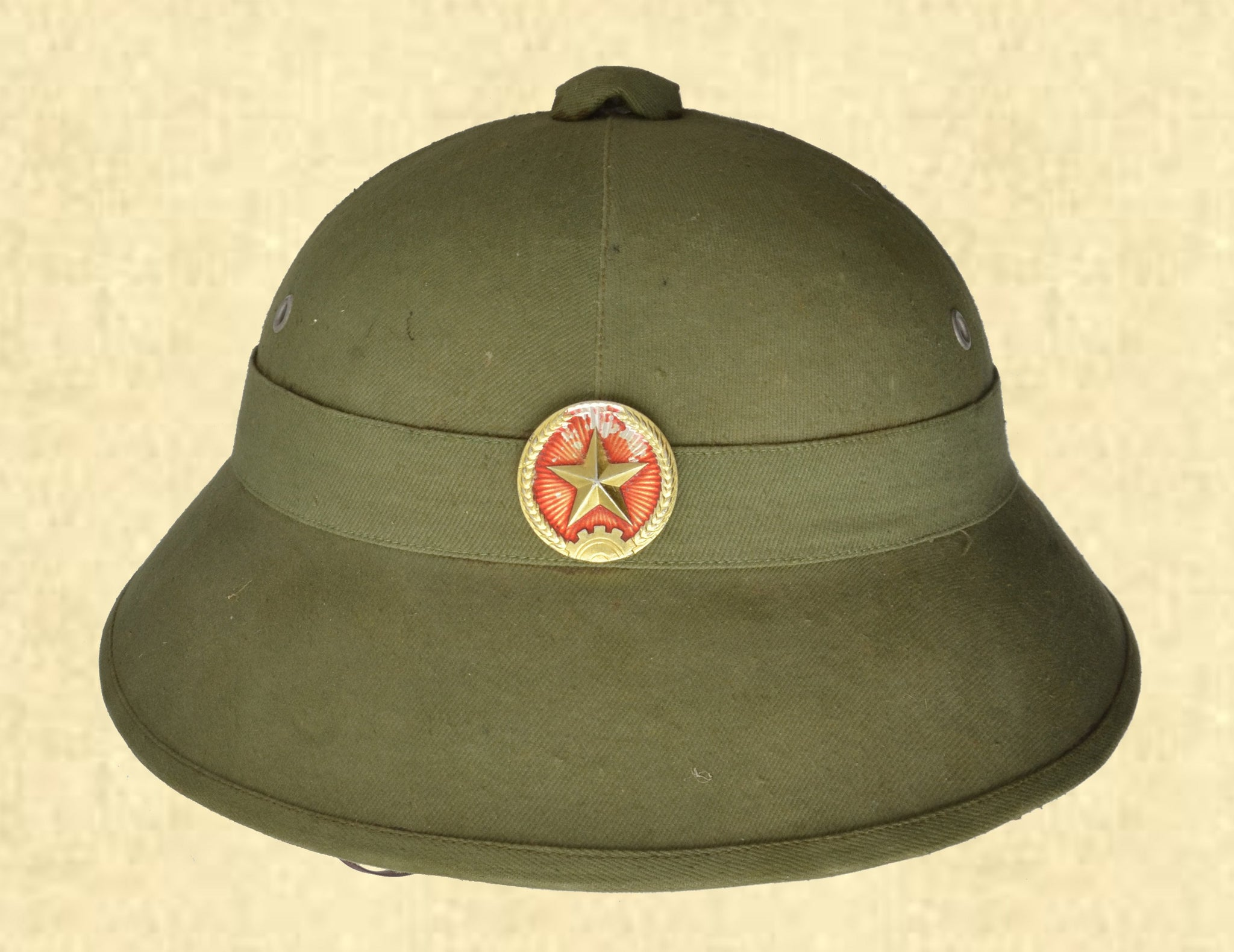 VIETNAMESE ARMY PITH HELMET W/RED STAR