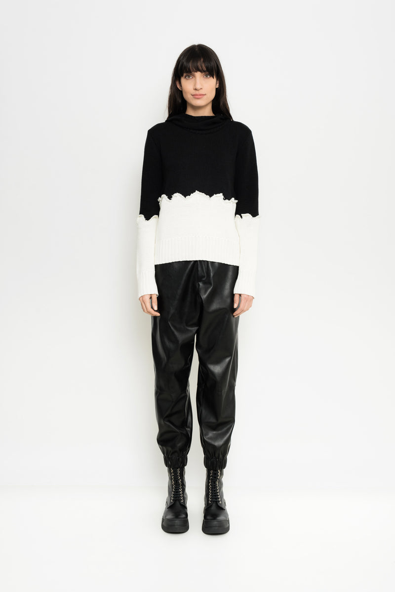 Black & White Knitted Pullover | Nazare