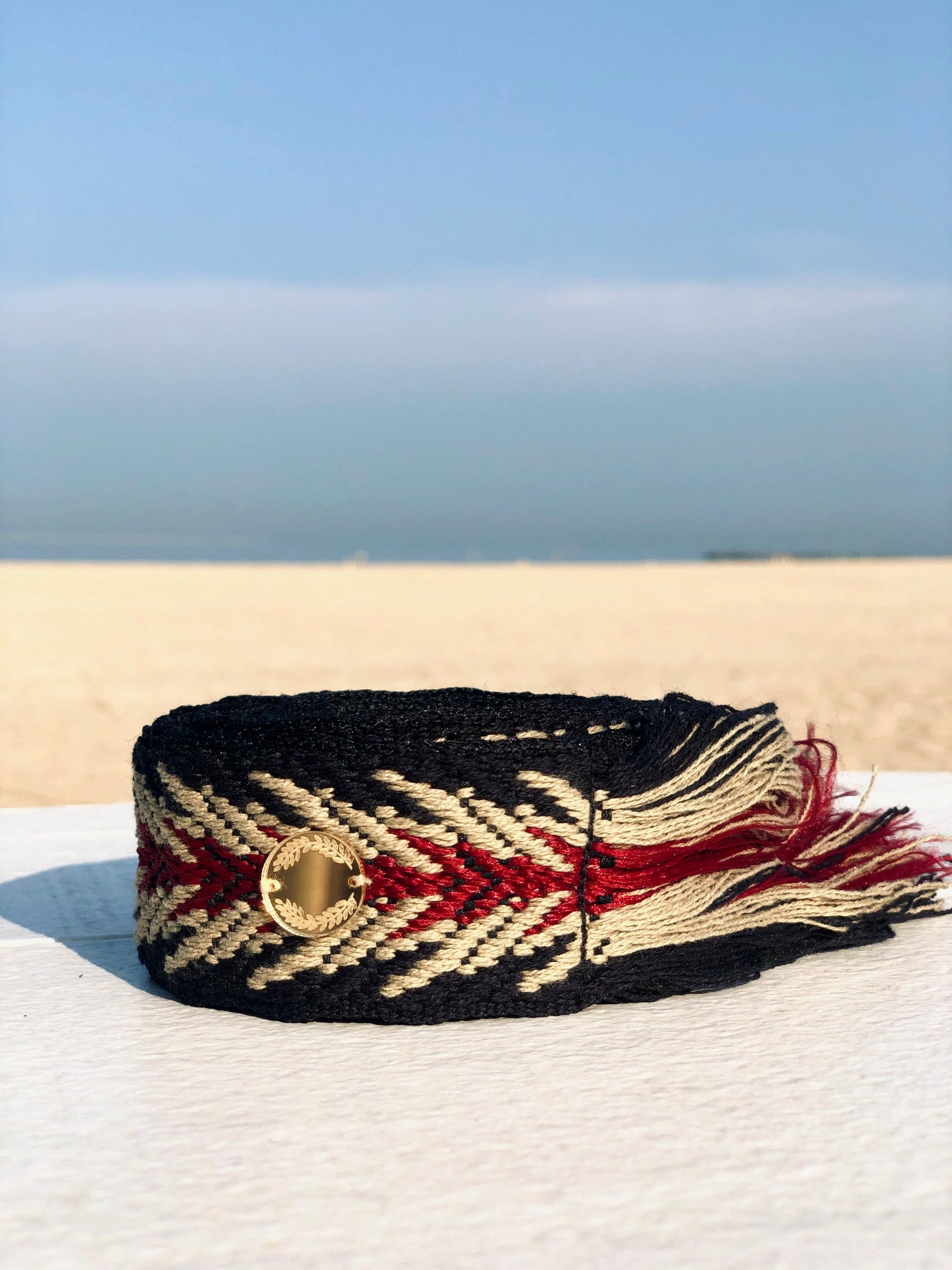 Serifos | Black, Gold, Red