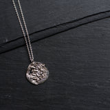 Mond Necklace