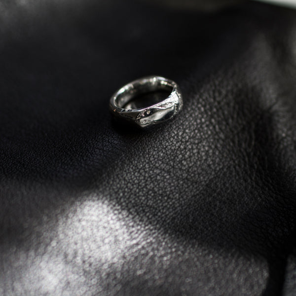Moulded Thin Signet Ring