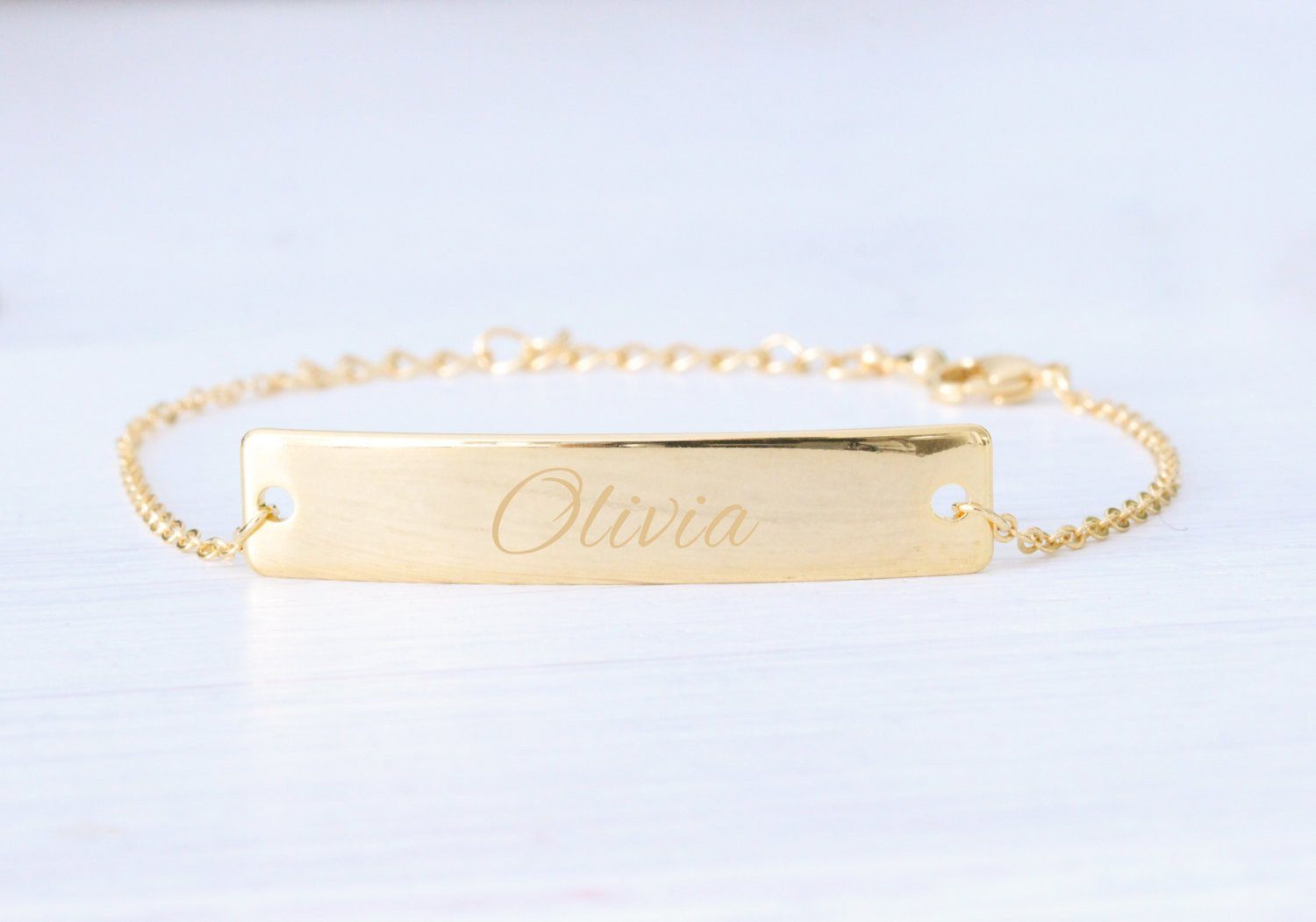 personalized gold engraved bar nameplate bracelet beautiz