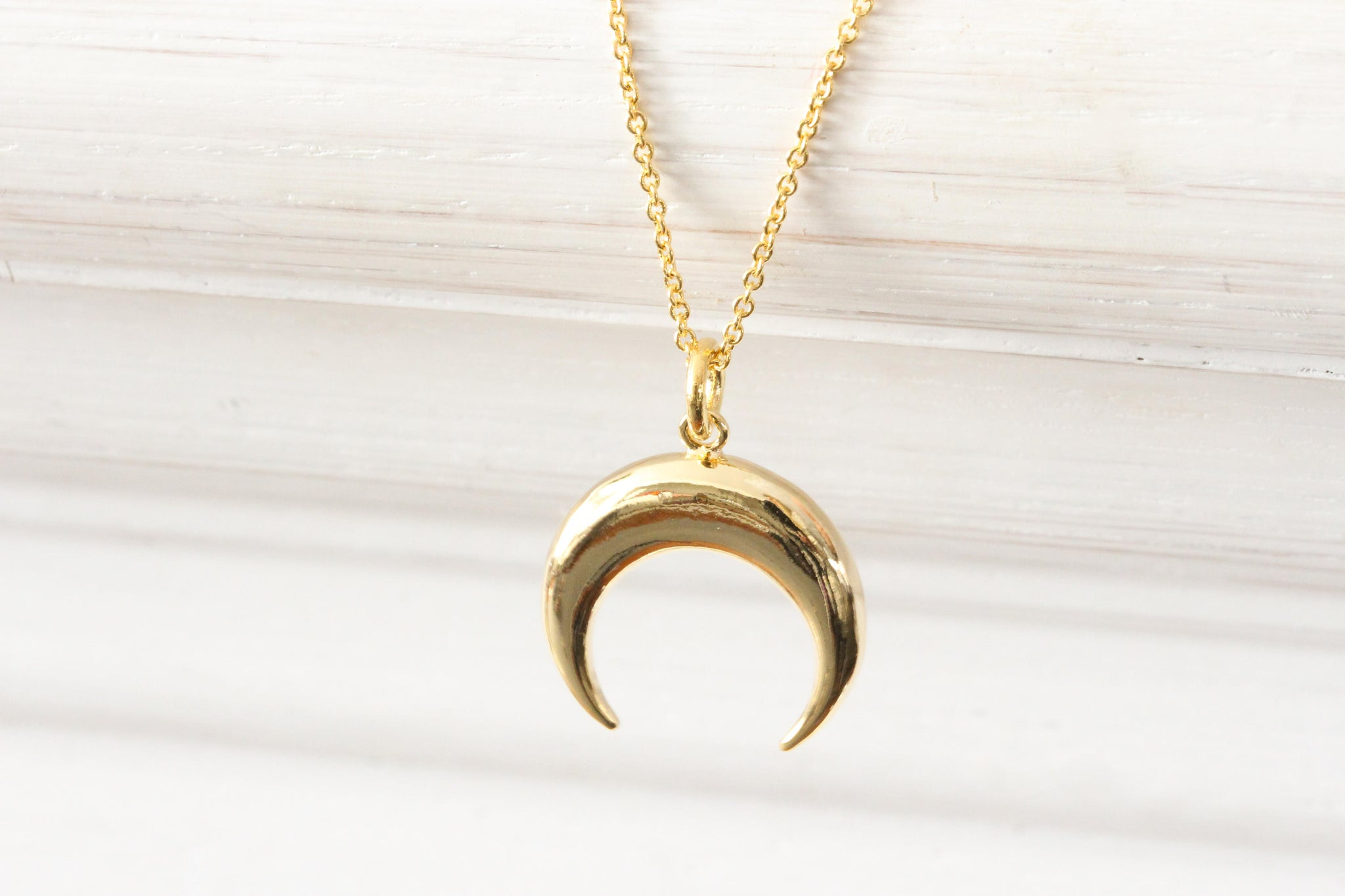 Gold Moon Pendant Crescent Moon Charm Moon Phase Necklace, New Moon, Tiny Dainty Minimalist Simple Delicate Everyday Gift for her - product_type] - Beautiz