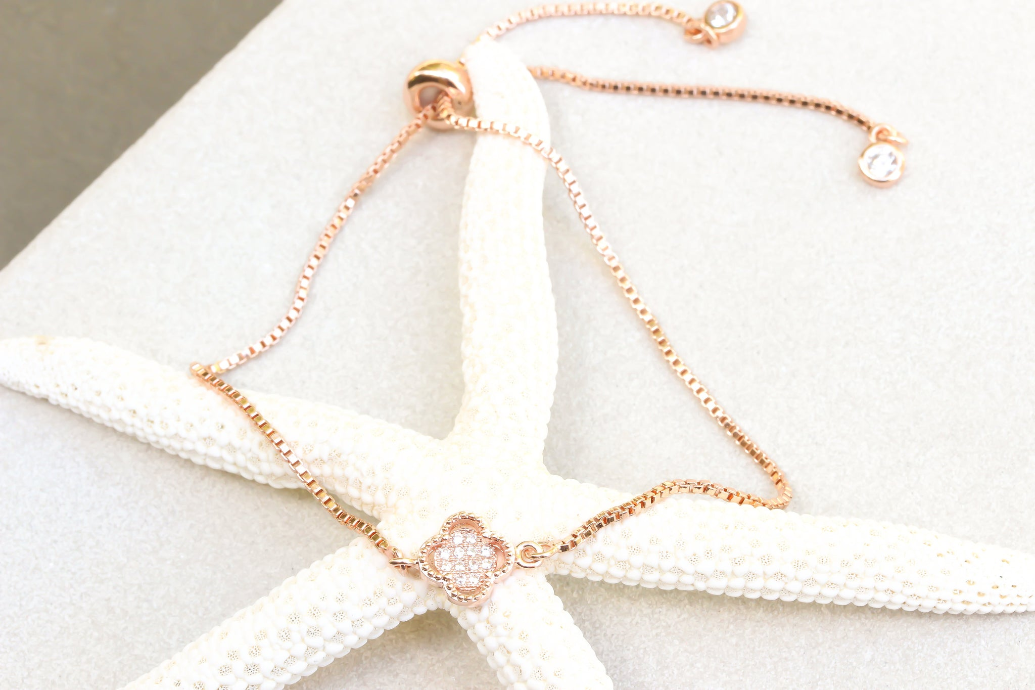 Rose Gold Clover Leaf Bracelet, Four leaf clover Bracelet, 4 leaf cloverleaf bracelet, Gold flower bracelet, Good luck lucky flower bracelet - product_type] - Beautiz