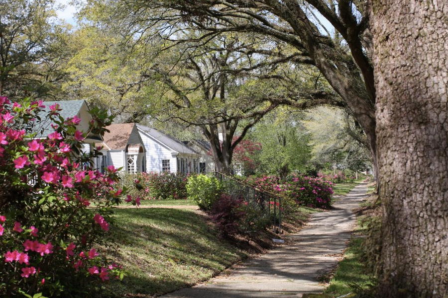 Skip the Hotels: The Most Charming Places to Stay in Laurel, MS