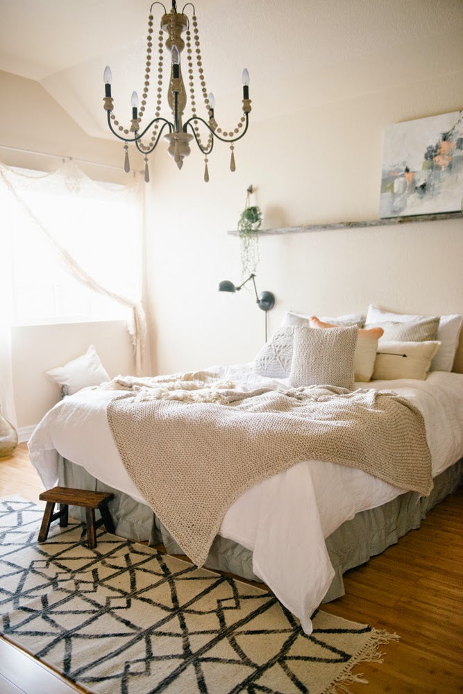 Jana And I Both Go For The Same Feeling With Our Bedrooms...dreamy! Both Of  Us Created Bedrooms That We Love Without Breaking The Bank And Weu0027d Love To  ...