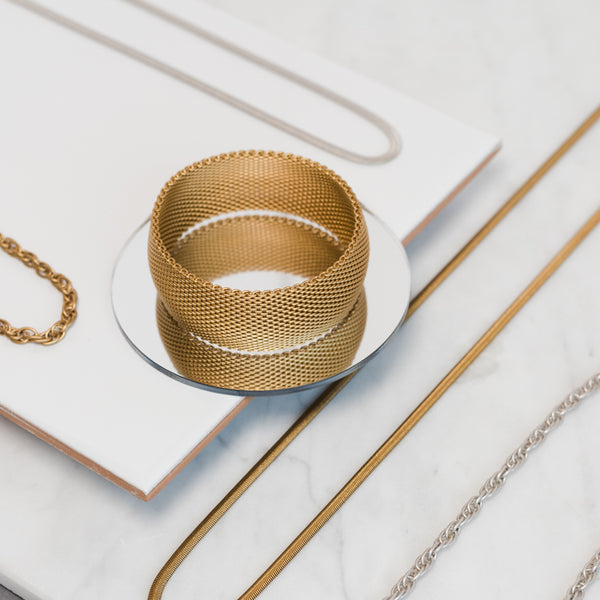"1"" Wide Dome Mesh Bangle - Antique Gold - Bracelet - Sarah Cavender - Jewellery - Arlette Gold"