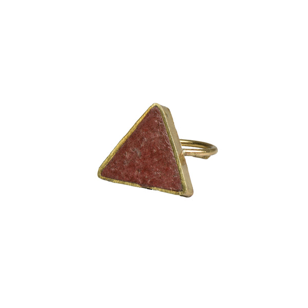 Coral Pulp Ring Triangle - Ring - Quazi Design - Jewellery - Arlette Gold