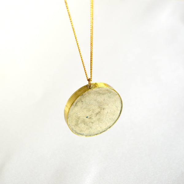 Stone Pulp Round Necklace