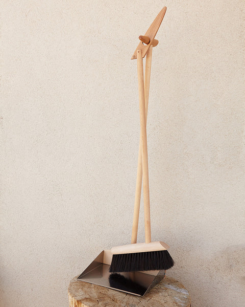 Tall Standing Dustpan/Brush Set