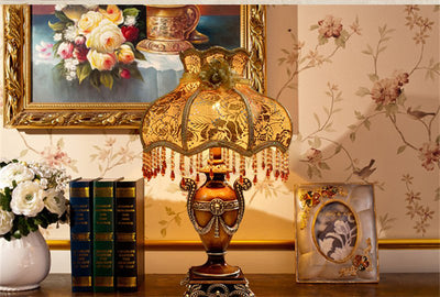 Mansion Style Table Lamp *FREE SHIPPING*