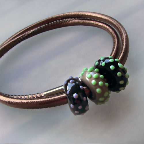 Art Glass on a Bronze Leather Cord ♥ Handcrafted Lampwork Bead (3)