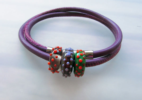 Art Glass on a Purple Leather Cord ♥ Handcrafted Lampwork Bead (3)