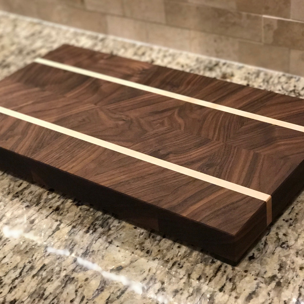 Alternating Jumbo Cutting Board - Walnut