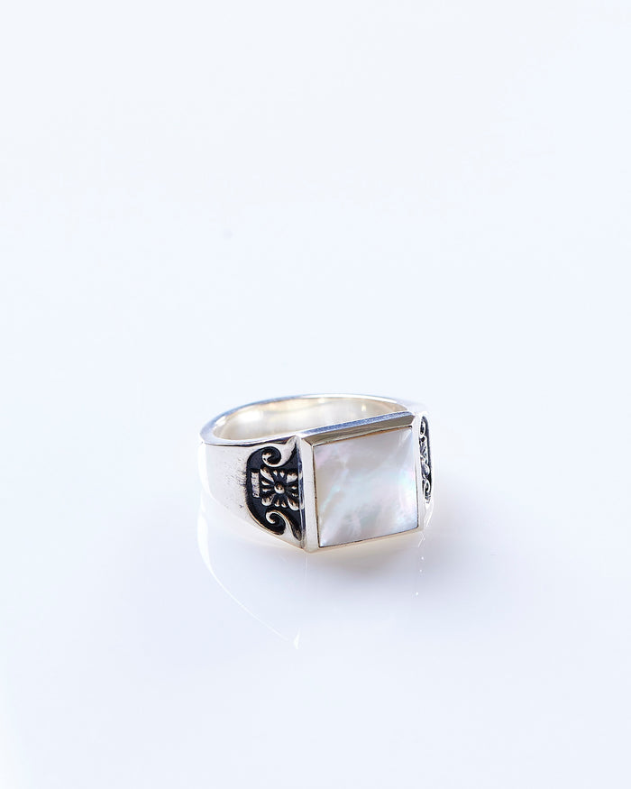 Maple Collegiate Ring Silver 925 / Mother of Pearl