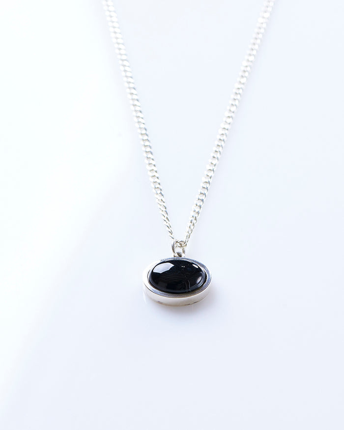 Maple Tubby Pendant + Curb Chain Silver 925 / Onyx