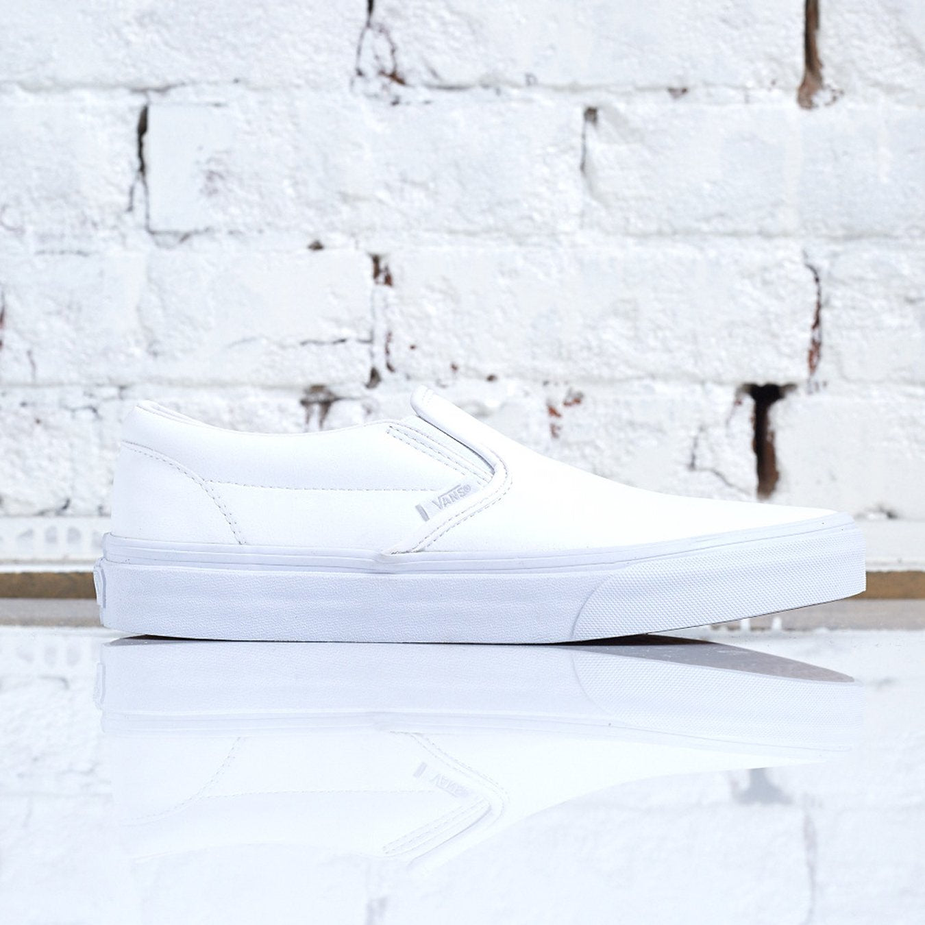 Vans Classic Slip-On Tumble True White